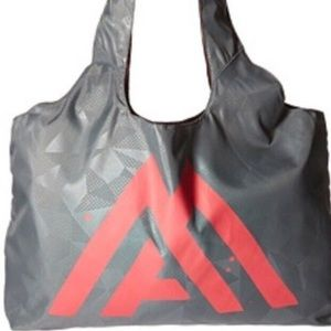 The North Face On Run Tote Bag NWT Grey